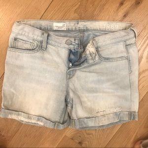 "Gap ""sexy boyfriend"" jean shorts"
